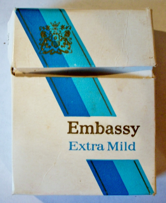 Embassy Extra Mild 70mm - vintage British Cigarette Pack