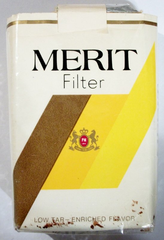 Merit Filter King Size - vintage American Cigarette Pack