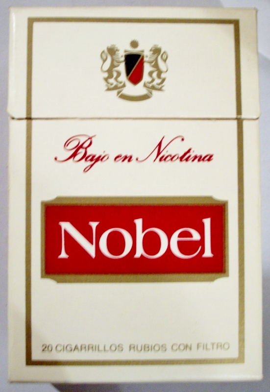 Nobel Bajo en Nicotina filter - vintage Spanish Cigarette Pack