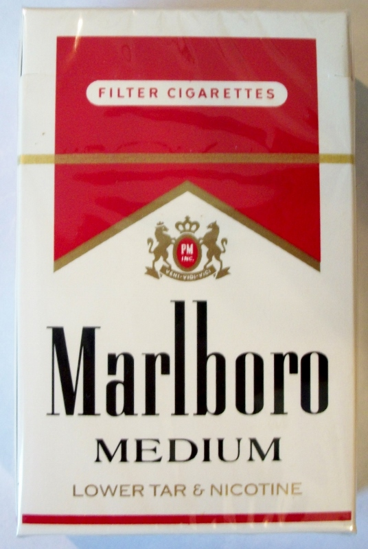 Marlboro Medium Filter, King Size box - vintage American Cigarette Pack
