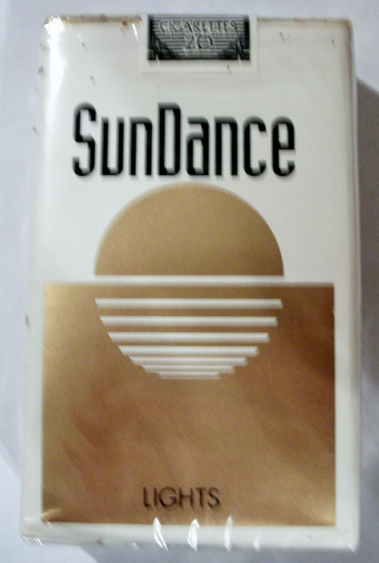 SunDance Lights, King Size - vintage American Cigarette Pack