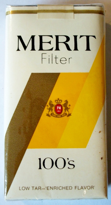 Merit Filter Low Tar 100's - vintage American Cigarette Pack