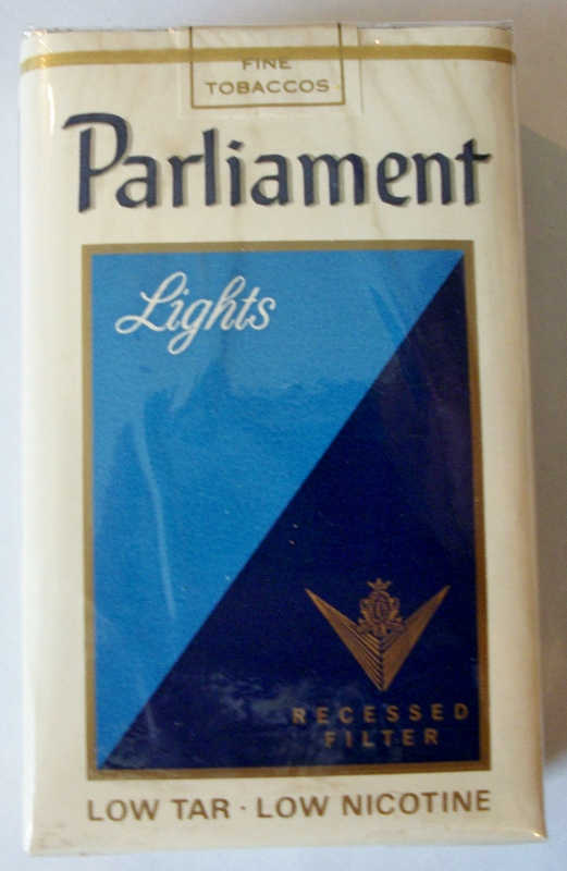 Parliament Lights Recessed Filter, King Size - vintage American Cigarette Pack