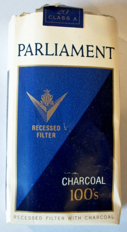 Parliament Recessed Filter Charcoal 100's - vintage American Cigarette Pack