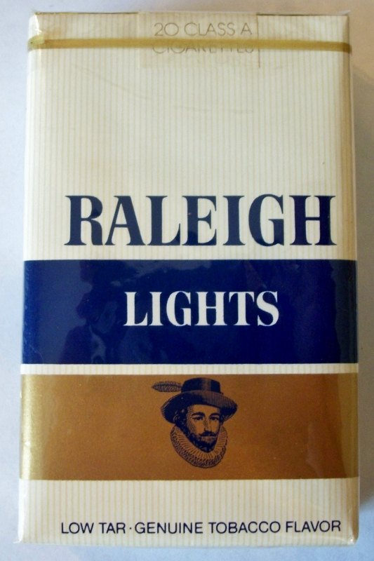 Raleigh Lights Low Tar, Kings - vintage American Cigarette Pack