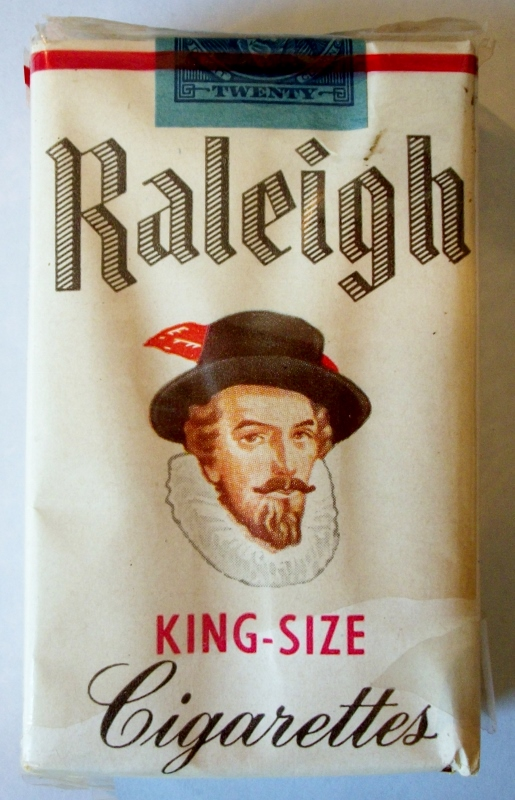 Raleigh 1953 King-Size Plain Ends - vintage American Cigarette Pack