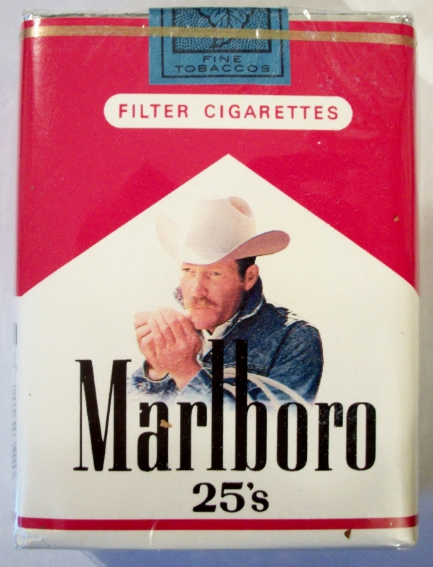 Marlboro 25's Filter - vintage American Cigarette Pack