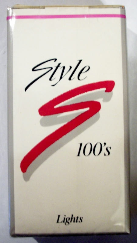 Style 100's Lights - vintage American Cigarette Pack