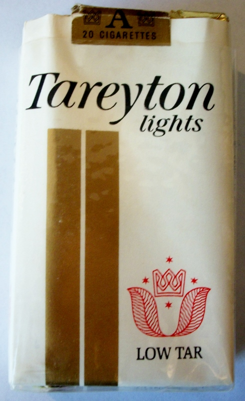 Tareyton Lights Low Tar Filter Kings - vintage American Cigarette Pack