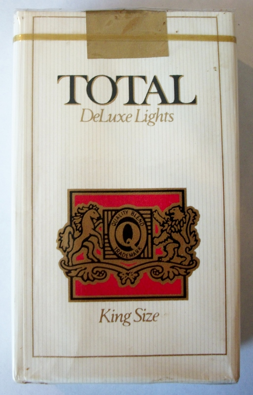 Total DeLuxe Lights - vintage American Cigarette Pack