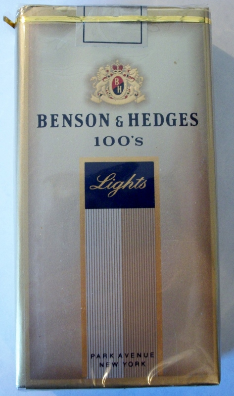 Benson & Hedges 100's Lights Park Avenue - vintage American Cigarette Pack