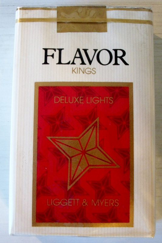 Flavor Deluxe Lights kings - vintage American Cigarette Pack
