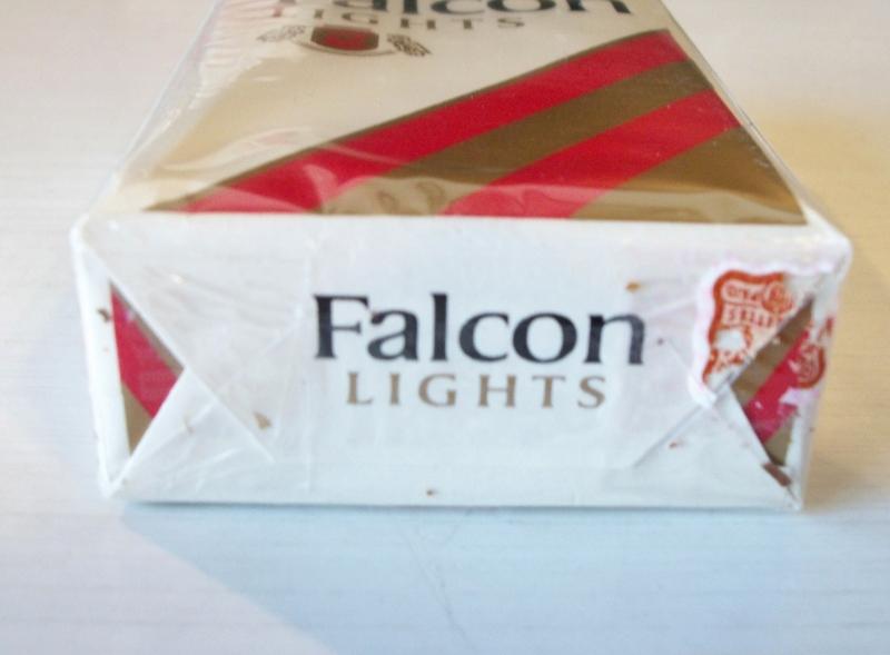 Falcon Lights, king size – vintage American Cigarette Pack