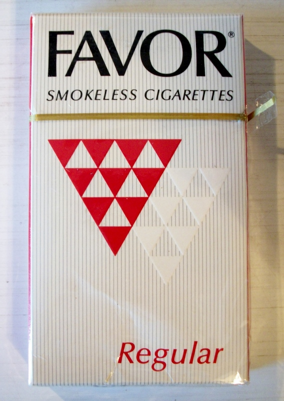 Favor Smokeless Cigarettes Regular - vintage American Cigarette Pack