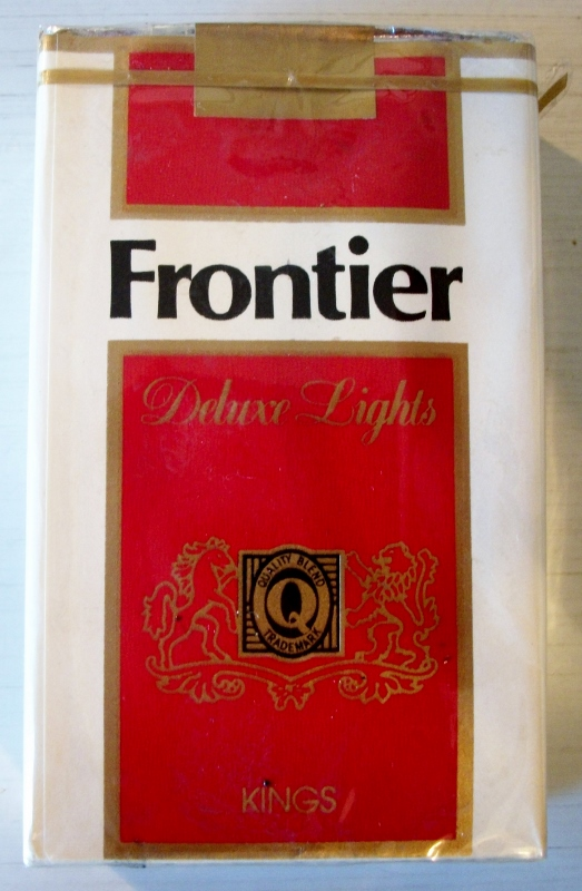 Frontier Deluxe Lights kings - vintage American Cigarette Pack